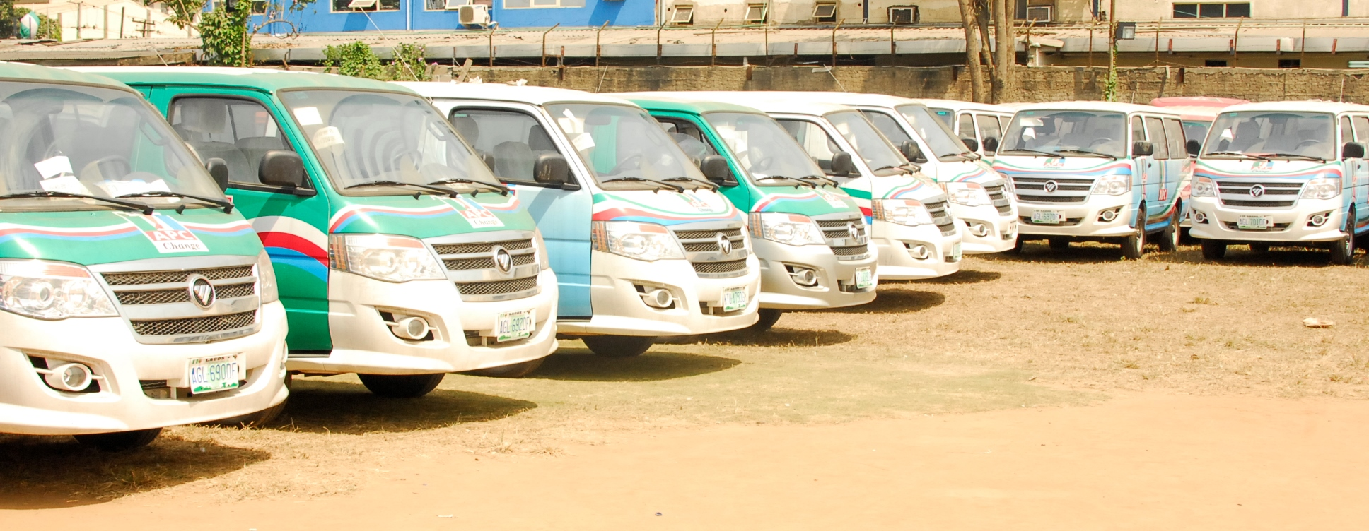 Buses-donated-by-the-Governor-in-support-of-the-Campaign