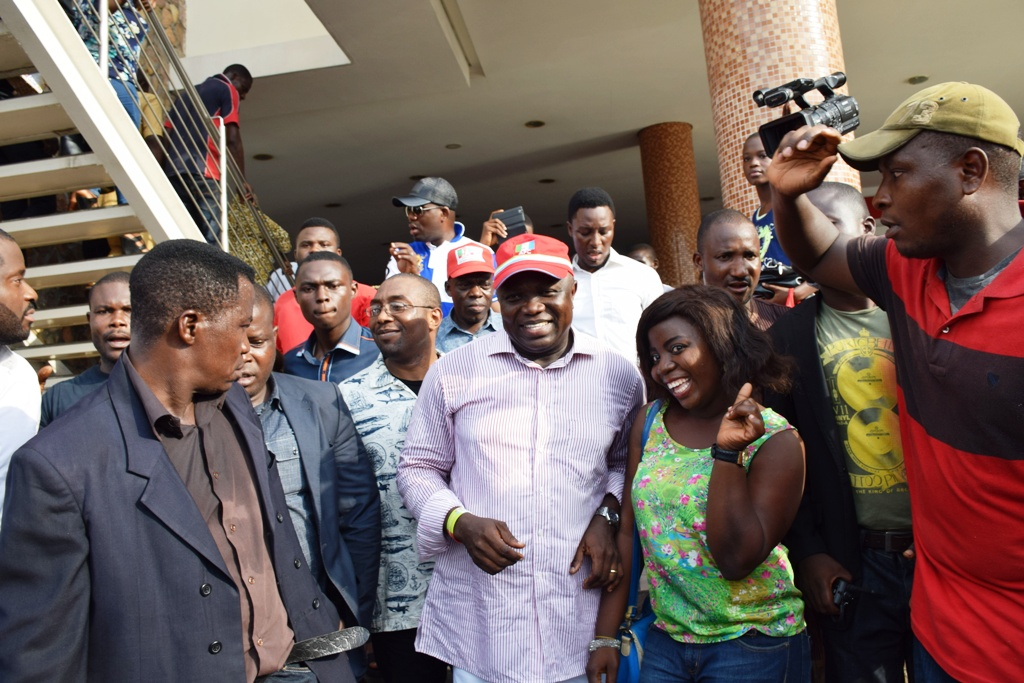 Akinwunmi Ambode got an Amazing Reception from Lagosians at Ikeja Mall