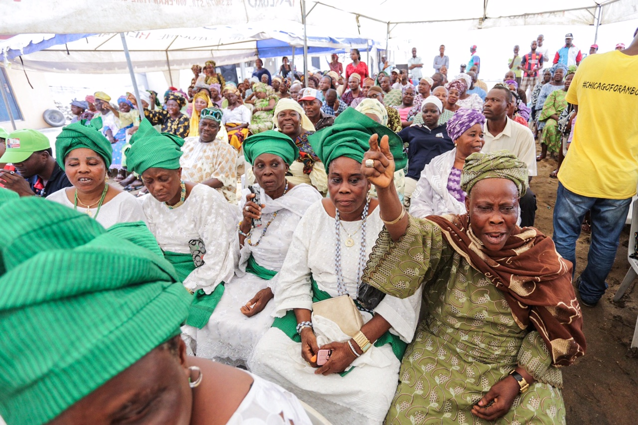 Leaders and members of Itire-Ikate Community during the Town Hall Meeting with Ambode