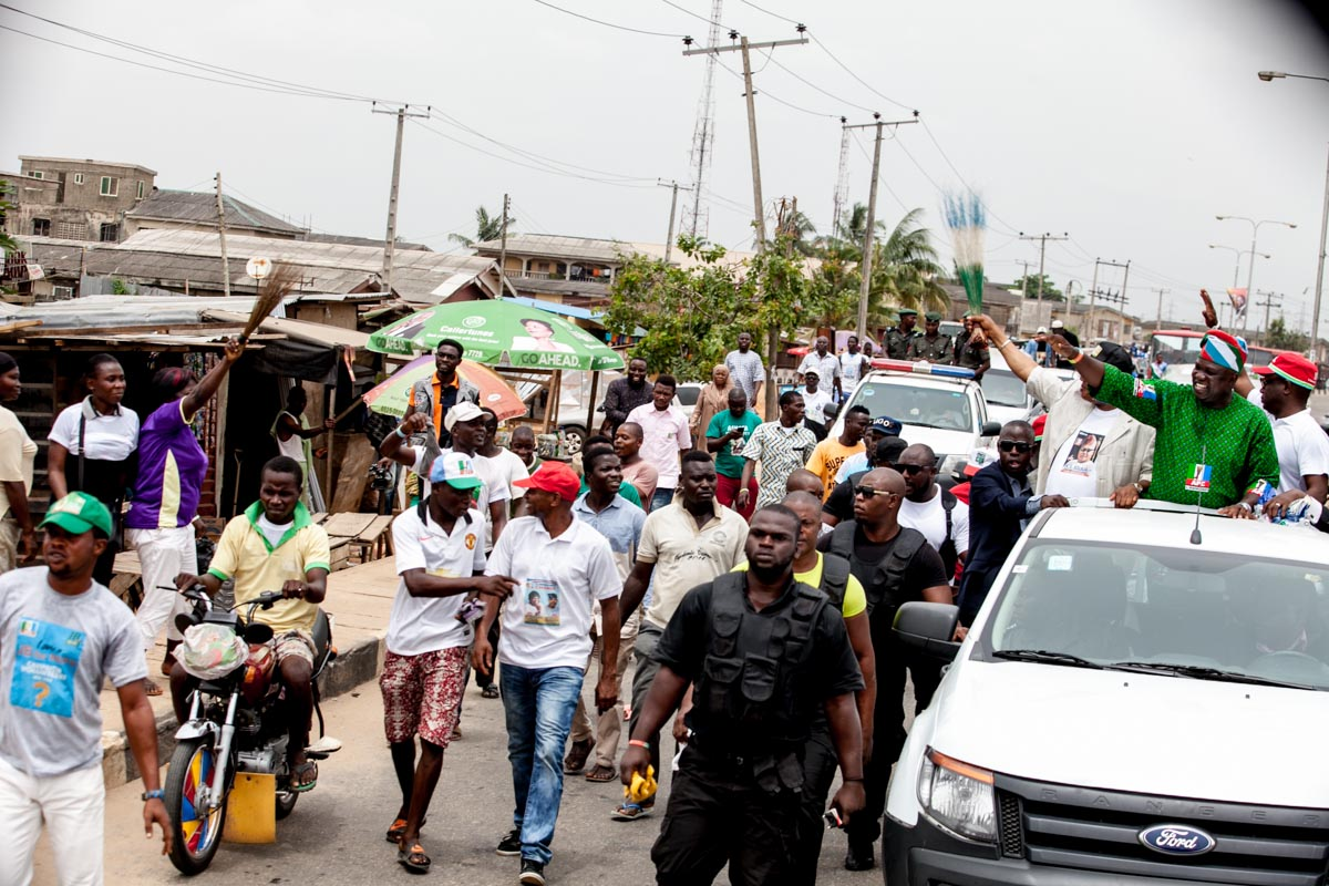 A Cross Section of Lagosians showing their love for Ambode