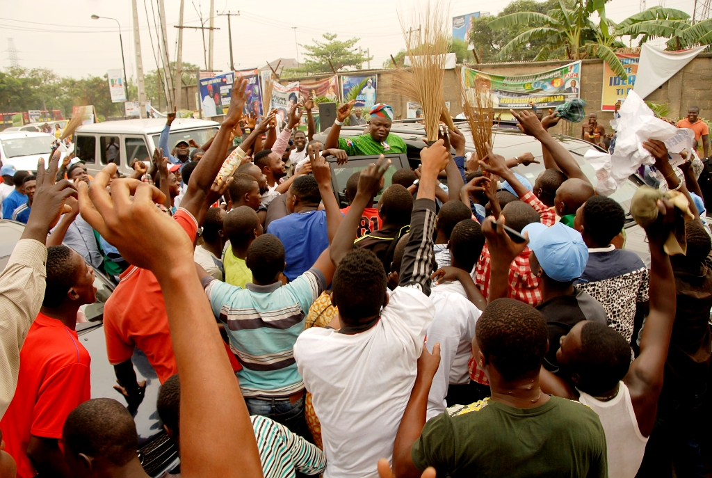 Supporters Throng Ambode's Office To Celebrate APC Victory