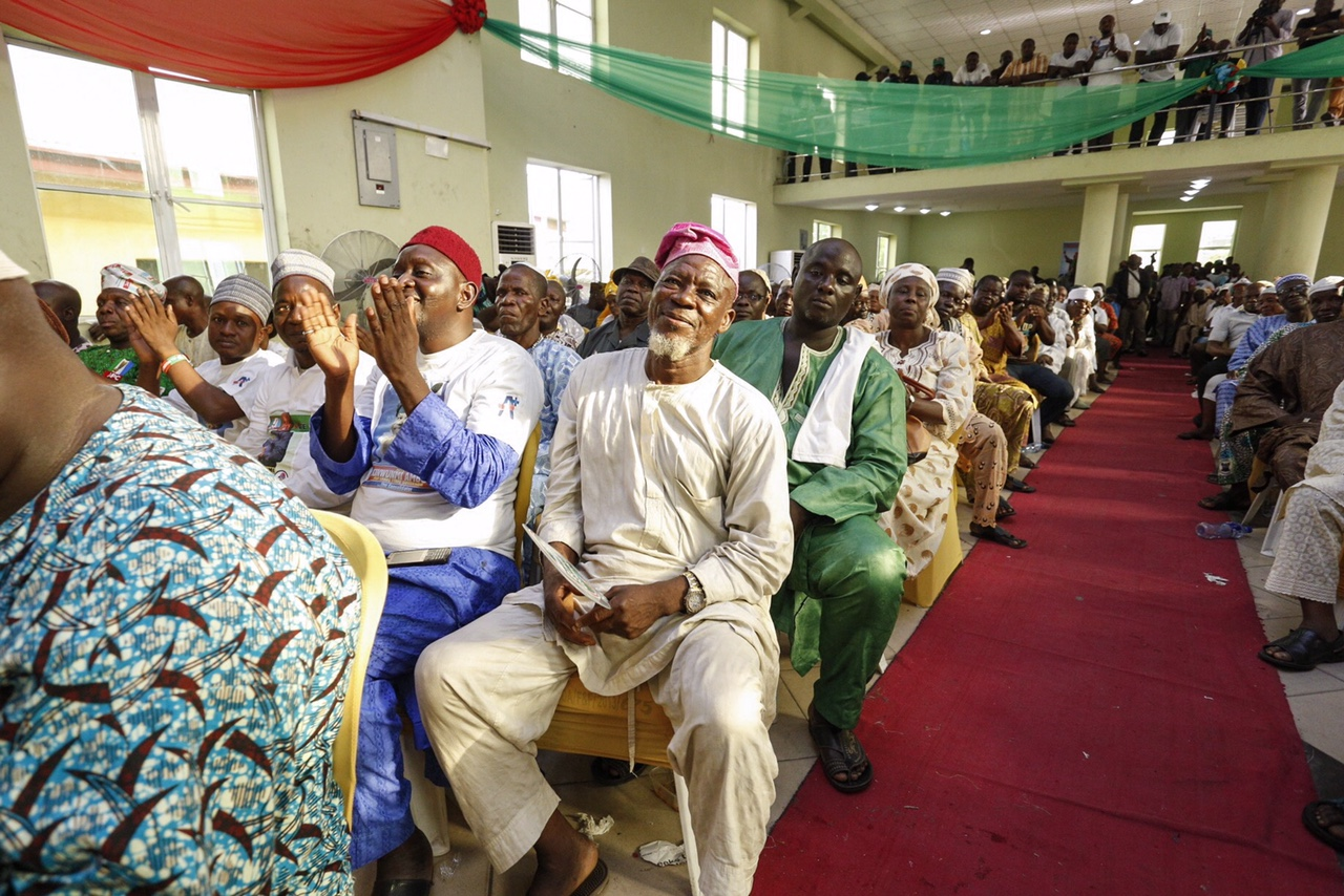 Ambode Holds Town Hall Meeting in Ajegunle